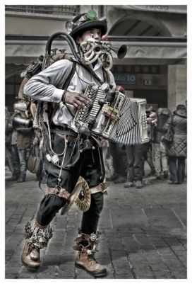 foto pedritonewheel man band